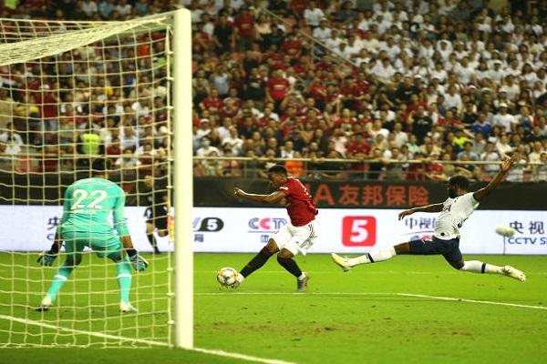 Điểm nhấn Tottenham 1-2 Man Utd: Thiên thần mới của Qủy