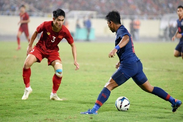 Điểm tin bóng đá Việt Nam 24/7: Văn Toàn báo tin vui