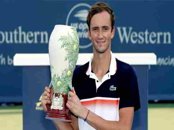 Medvedev lần đầu tiên lên ngôi vô địch Cincinnati 2019