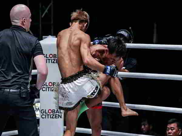Võ sĩ Nhật hạ knock-out huyền thoại Muay Thái chỉ sau 41 giây