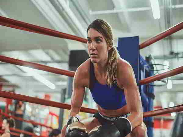 Nữ boxer Mayer thần tượng Ronda Rousey