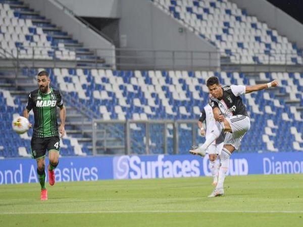 Ronaldo vô duyên, Juventus hòa trận điên rồ
