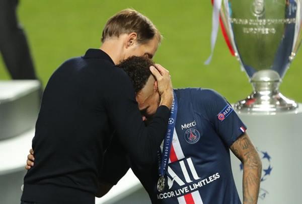 Tin bóng đá 24/8: HLV Tuchel nói gì về cú ngã trước thiên đường của PSG
