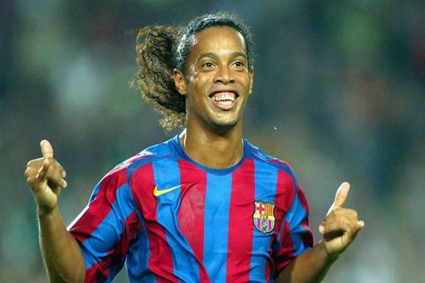 Ronaldinho- Cầu thủ xấu trai nhất thế giới