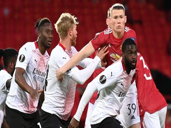 Soi kèo Châu Á AC Milan vs Man United (3h00 ngày 19/3)
