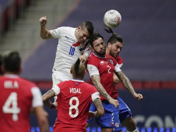 Tin bóng đá chiều 25/6: Paraguay vào tứ kết Copa America
