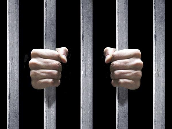 Nằm mơ thấy đi tù có điềm báo gì, đánh con gì ăn chắc