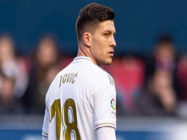 Tin bóng đá chiều 6/8: Jovic xin Real Madrid đừng bán mình