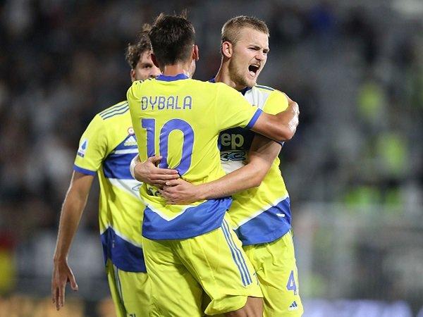 Tin bóng đá 23/9: Juventus thắng trận đầu tiên tại Serie A